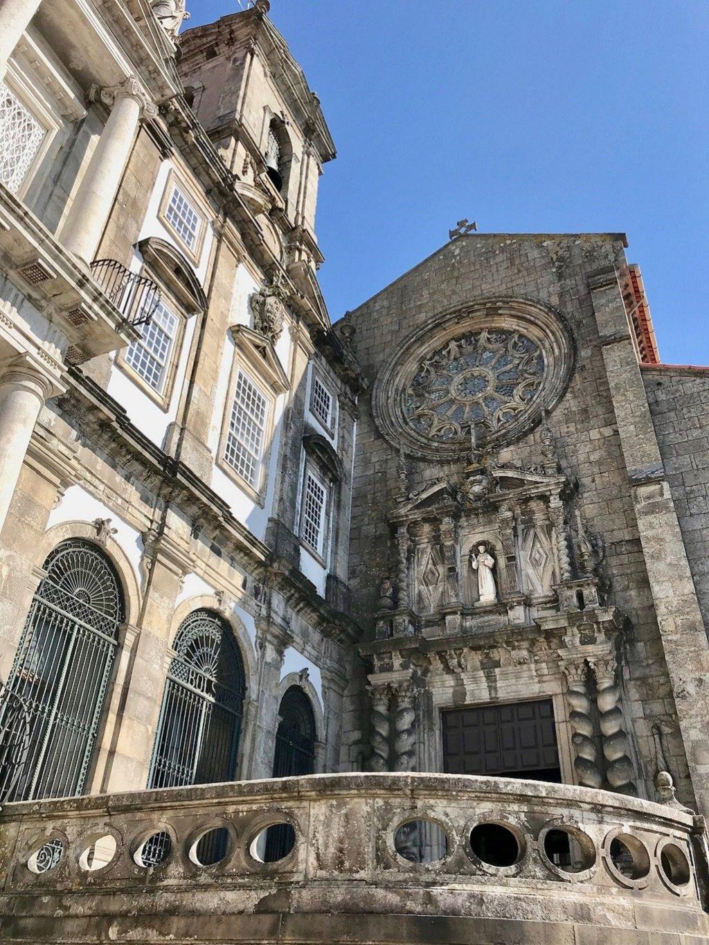 The facade of Igreja de São Francisco in Porto