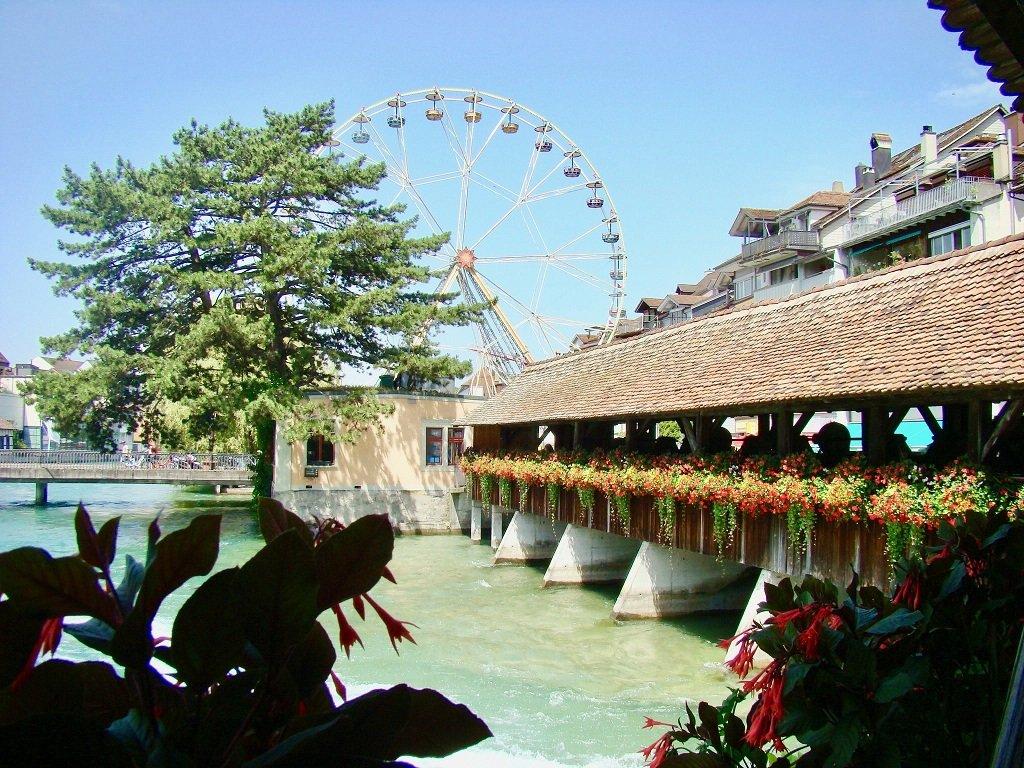 Ferris wheel and river Aare, Thun