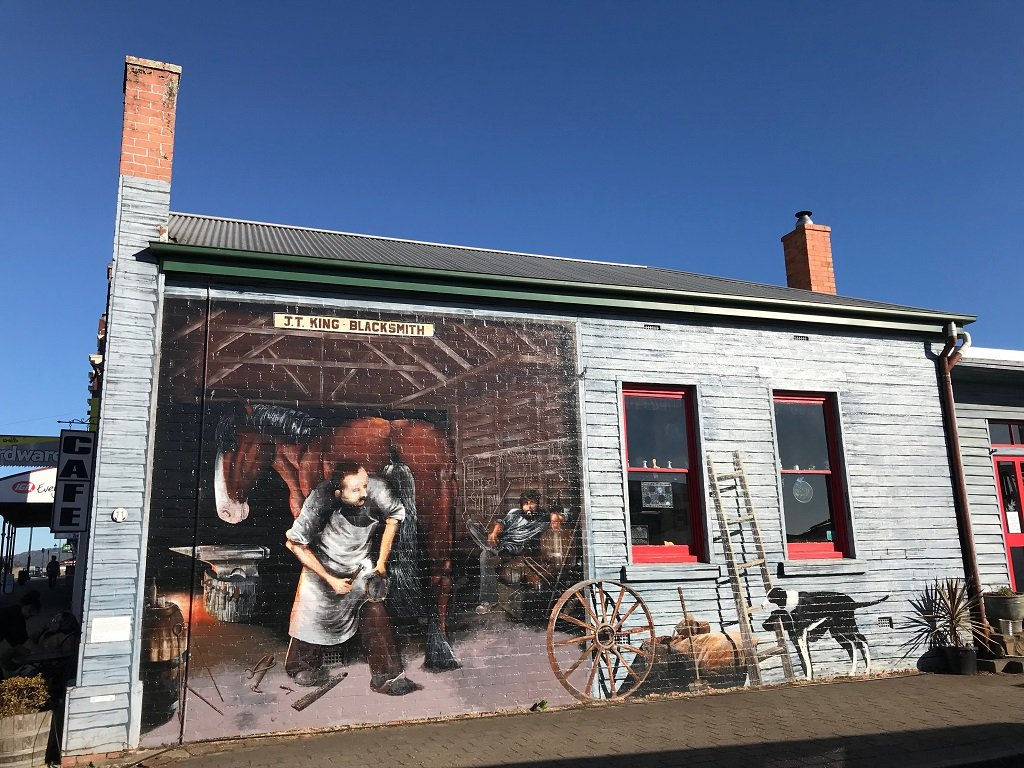 sheffield-tasmania-murals