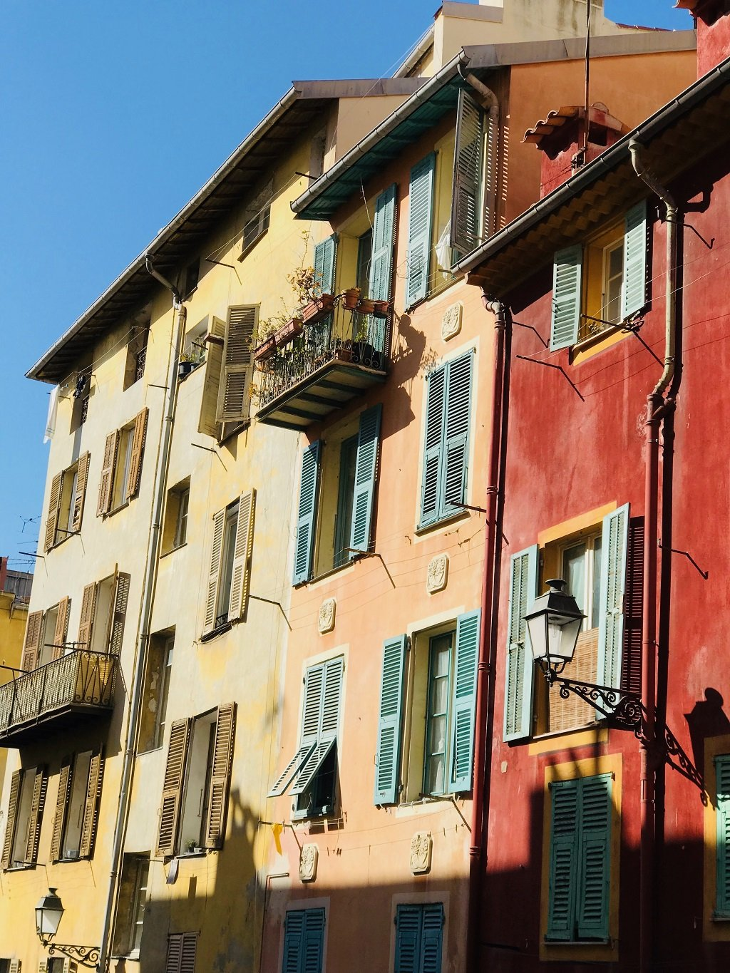 Coloured building in Nice Old Town