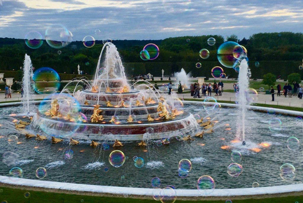 tips-to-visit-versailles-gardens-night-fountains-show