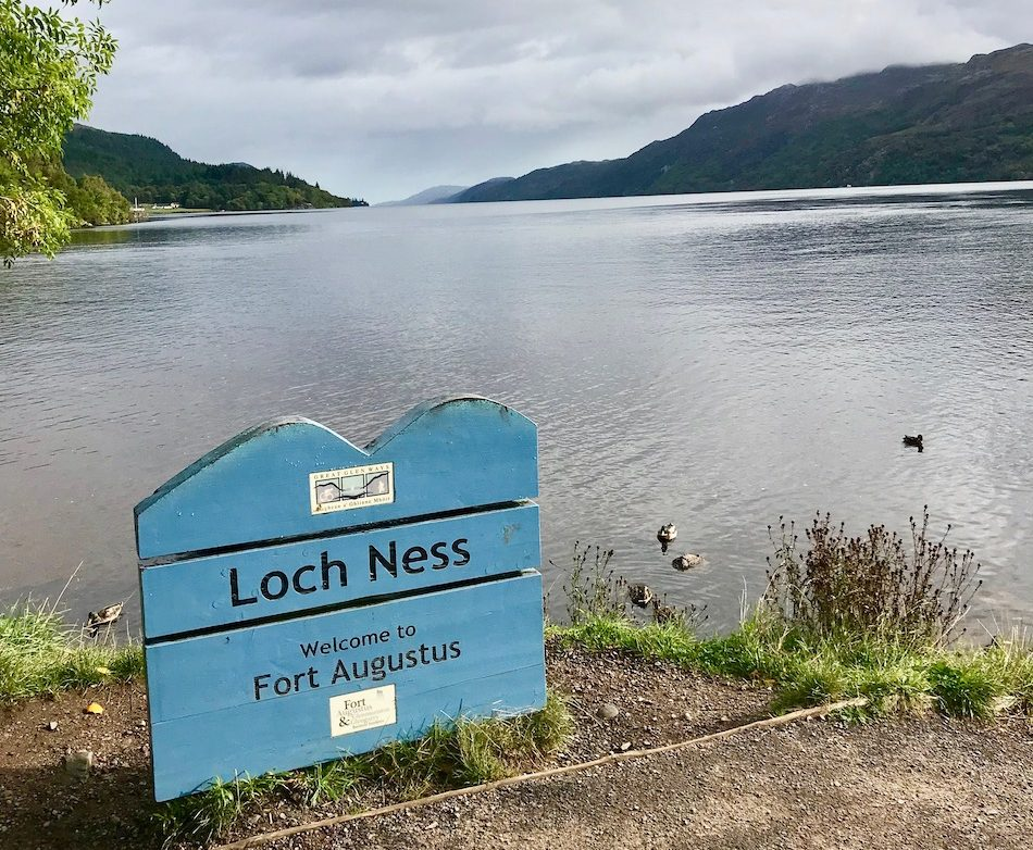 Loch Ness sign