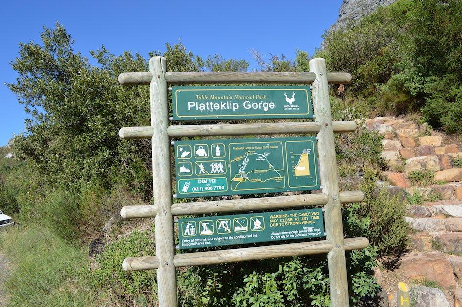 Signpost for Platteklip Gorge