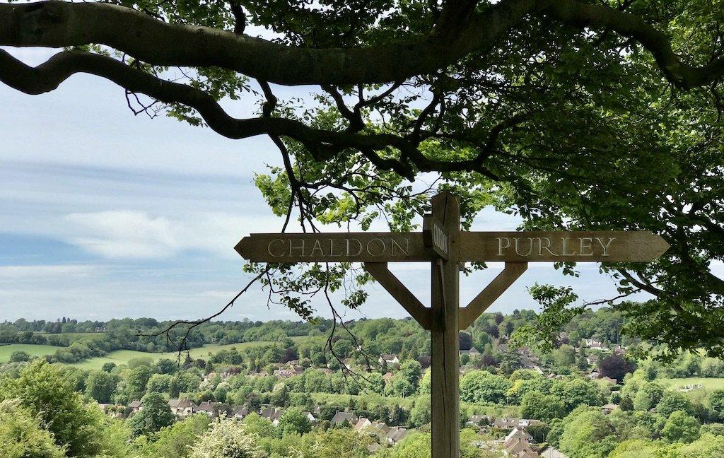 Signpost pointing towards Chaldon