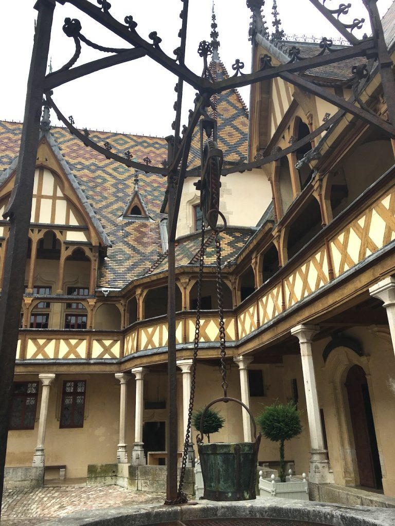 outer courtyard of Hotel Dieu
