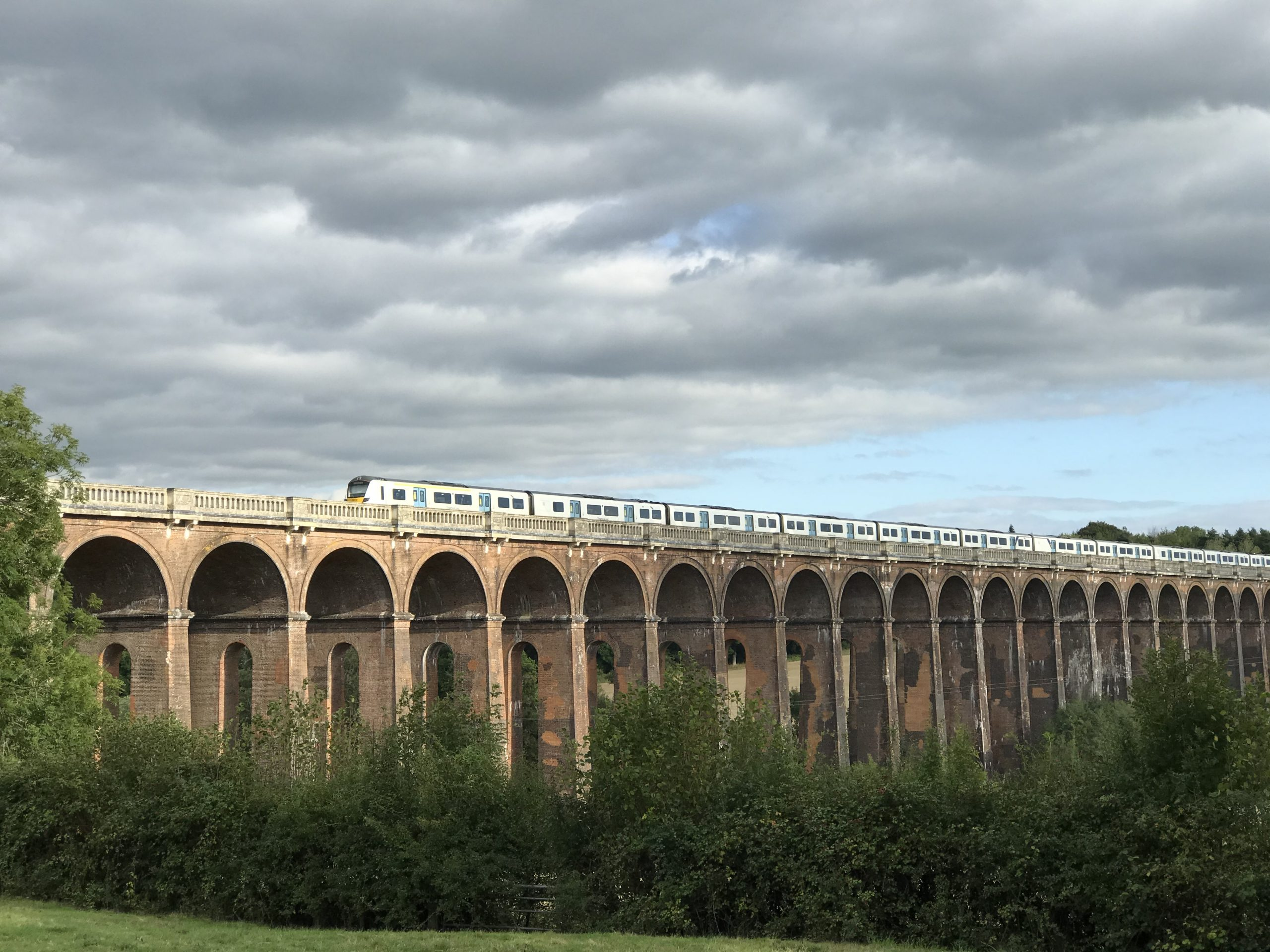 Train crossing Ouse Valley Viaduct