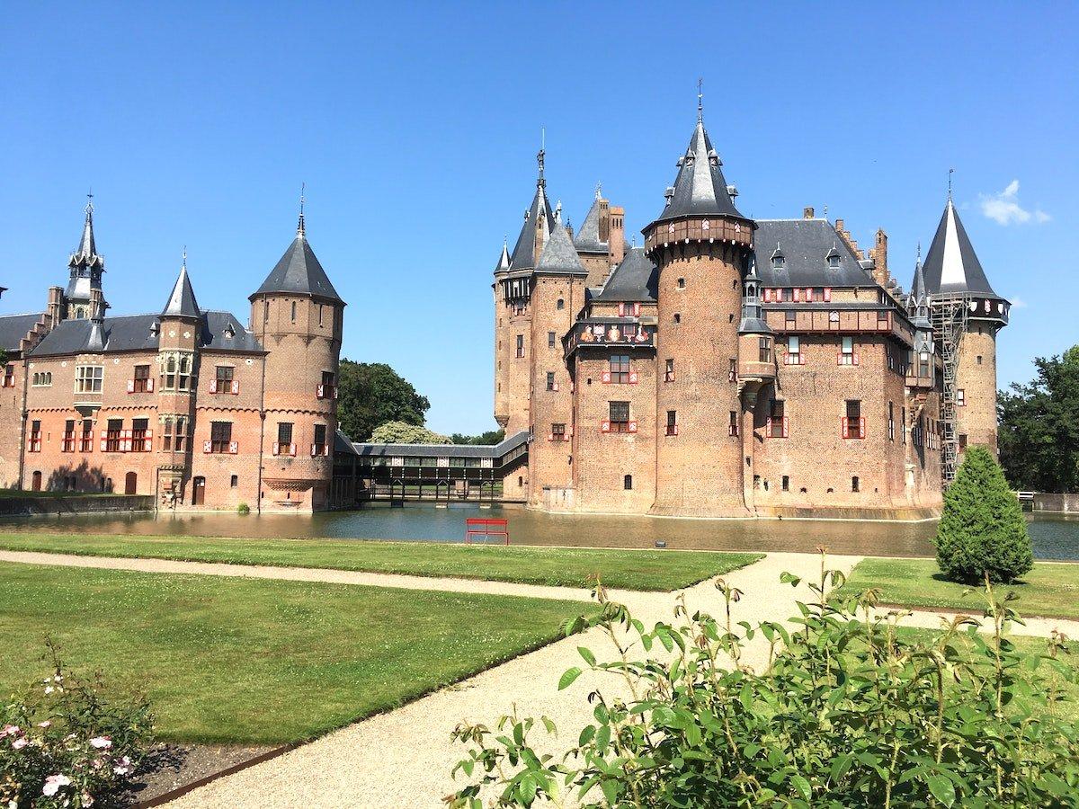 Kasteel de Haar turreted castle in Amsterdam