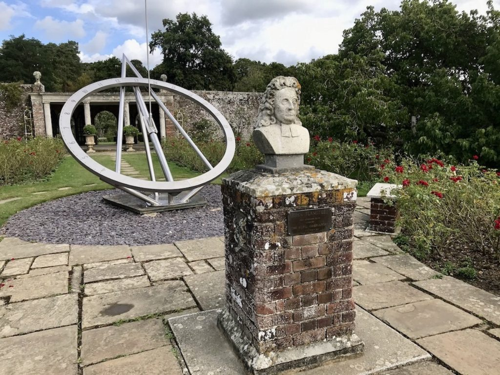 statue of Isaac Newton