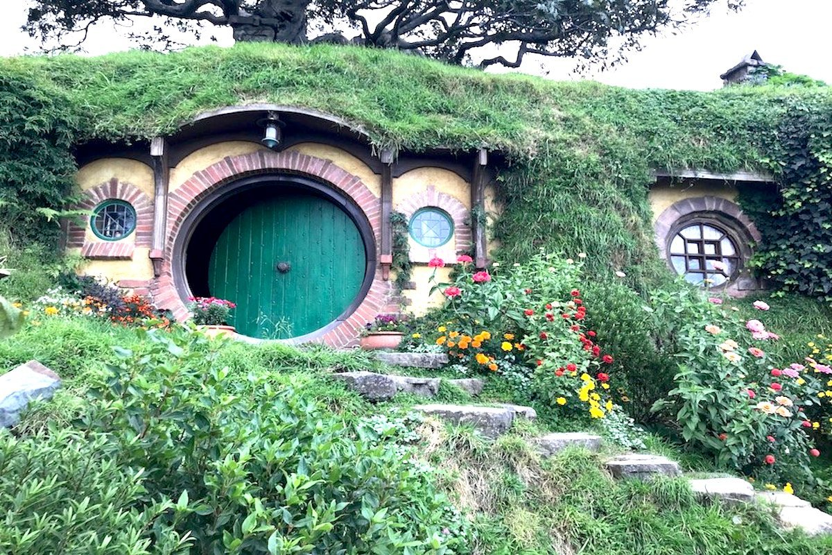 Hobbit House on the film set at Hobbiton