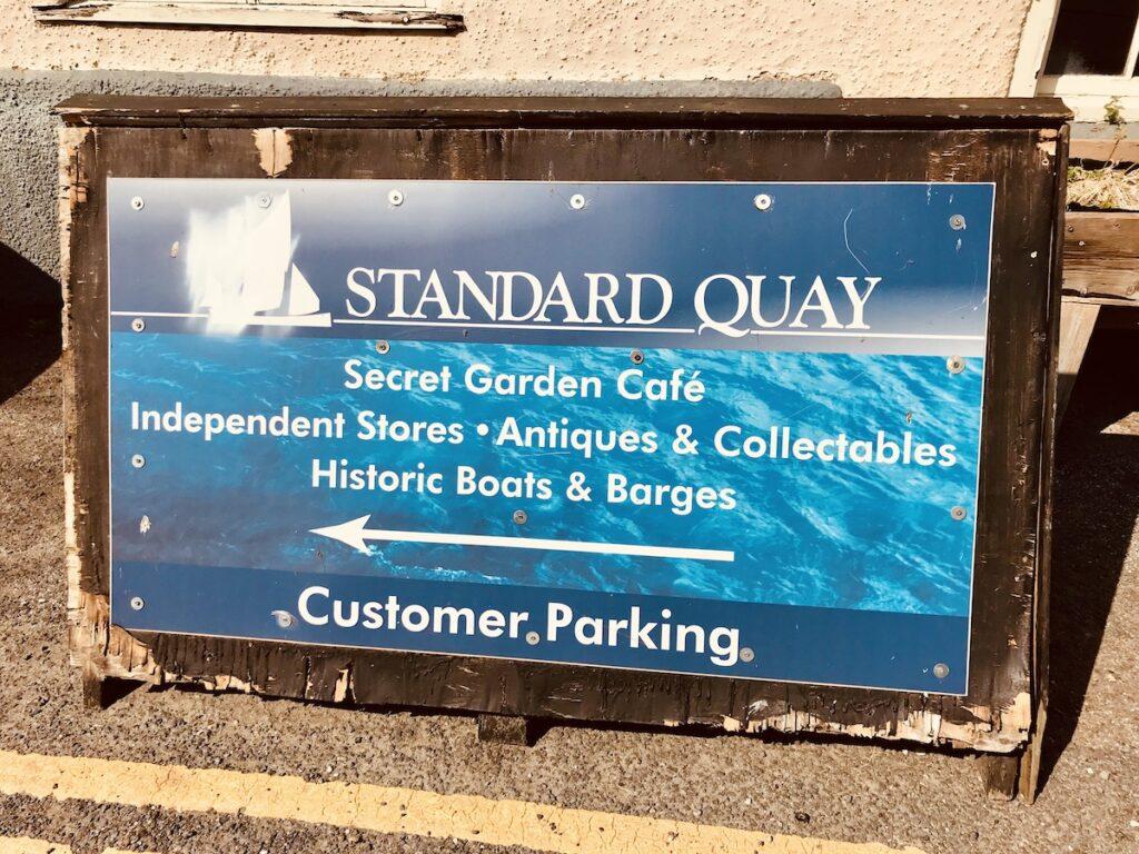 standard quay sign