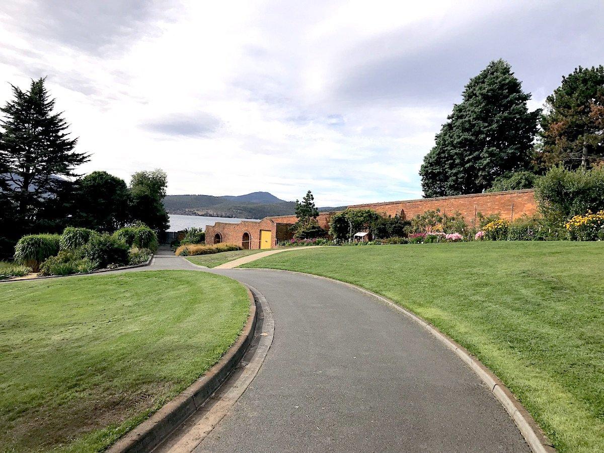 Tasmania-Botanical-Gardens
